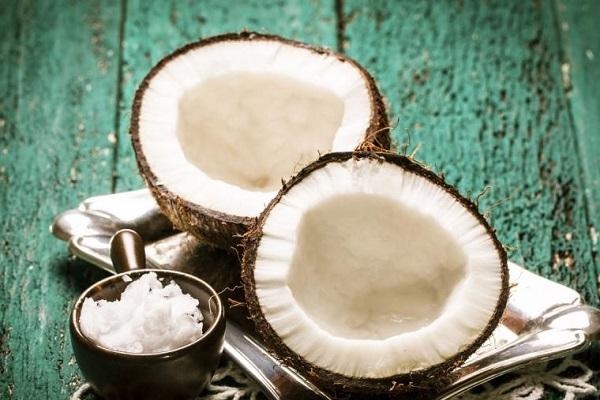 Aceite de coco contra estrias